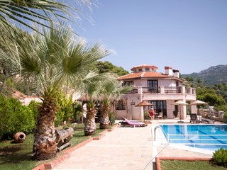 kalkan villa with pool and garden